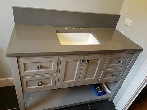 Bathroom stone counter by Ultimate Granite and Design, Glendale Heights